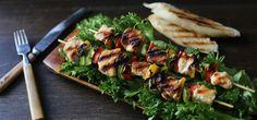 Kjøp Honningmarinerte kyllingspyd og resten av ukeshandelen med ett klikk! Grillspyd er ett must i grillsesongen og disse smakfulle kyllingspydene er verdt å prøve. Sever med en grønn salat og hvitløksbrød så har du en deilig grillrett.