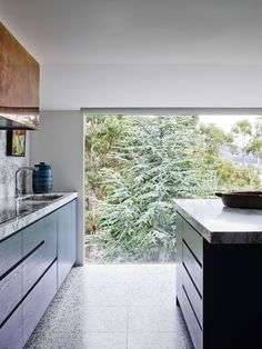 Sandy Bay Residence by Flack Studio, Vote for this project in the 2019 *Belle* Coco Republic Interior Design Awards Readers' Choice competition. Australian Interior Design, Interior Design Awards, Australian Homes, Big Design, House Design, Design Ideas, Flack Studio, Kitchen Views, Vogue Living