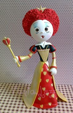Queen of Hearts Polymer Clay Animals, Polymer Clay Dolls, Polymer Clay Projects, Fondant Figures, Clay Figures, Biscuit, Clothespin Dolls, Cute Clay, Alice In Wonderland Party