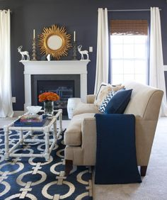 Blue Living Room Decor - What colors go with navy blue? Blue Living Room Decor - What are the new colors for # bluelivingroomdecor # roomdecor # diningroomdecorideas My Living Room, Home And Living, Living Room Decor, Living Spaces, Small Living, Living Room Color Schemes, Colour Schemes, Color Trends, Color Combinations