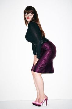 """Photos of Kat Dennings, among Hollywood's hottest women, largely due to Kat Denning's best """"assets."""" Fans will also enjoy these TMI facts about Kat Denning's sex life. Kat Denning is the American actress best known as Max Black on the CBS sitcom 2 Broke Girls, where she pla..."""