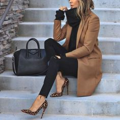 20 ideas de trajes elegantes de moda que caen - Kleidung für Teenager - Zapatos Winter Trends, Fall Outfits For Work, Fall Winter Outfits, Winter Ootd, Winter Style, Classy Outfits For Women, Winter Heels, Winter Office Outfit, Woman Outfits