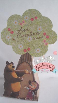 Masha e o Urso Cone árvore Bear Birthday, 3rd Birthday, Birthday Parties, Masha And The Bear, Bear Party, Diy Invitations, Birthday Decorations, Holidays And Events, Diy And Crafts