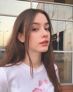 Dasha Taran (II) pictures and photos Uzzlang Girl, Cute Korean Girl, Cute Girl Face, Beautiful Girl Photo, Beautiful Girl Facebook, Beautiful Women, Girls Selfies, Cute Beauty, Brunette Girl