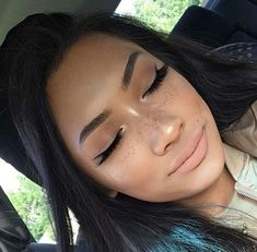 classic lace wigs Silk Top Glueless Wigs Light Yaki natural hairline with baby hair
