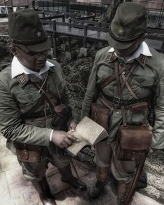 d9ff86e9650 WW2 japanese officers reenactment. Watanabe Arifu · IJA reenactment