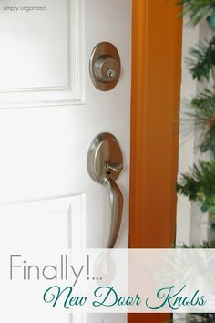Asking yourself why you haven't replaced your old brass door knobs with new modern hardware? You're not alone! And the good news is it's not even difficult to do! @BeSimplyOrganized shows you how in her Smart as a Door Knob post! #upgrade #remodel #design