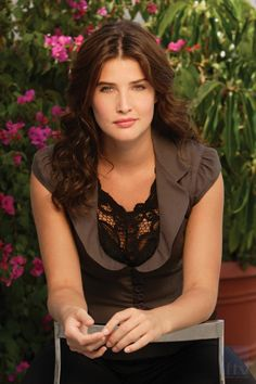 Robin Scherbatsky, she is girly but also tough. Also she believes a woman's career can come before love and family sometimes. Robin Scherbatsky, Hollywood Celebrities, Hollywood Actresses, Actors & Actresses, Beautiful Celebrities, Gorgeous Women, Beautiful People, Cobie Smulders, Avengers Film