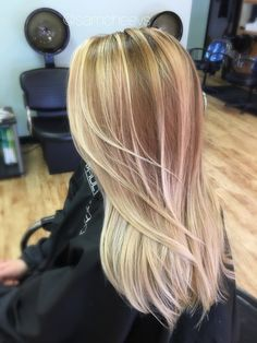 Golden honey blonde balayage , dirty blonde roots , blonde ombré for light hair , long layered haircut