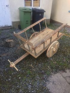 Small handcart made for when I'm doing my living history with Hildsvin.