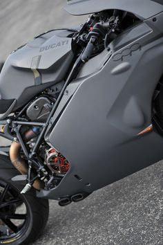 Cool Stuff We Like Here @ CoolPile.com ------- << Original Comment >> ------- Ducati 999