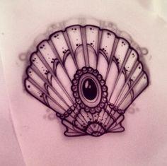 could use something like this in my mermaid tattoo Tatoo Art, Body Art Tattoos, New Tattoos, I Tattoo, Tatoos, Jewel Tattoo, Seashell Tattoos, Mermaid Tattoos, Tattoo Flash