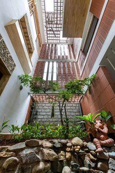 Inde – Architecture : Une société basée à Bangalore, Kham design… a dessiné une maison qui regorge de créativité !
