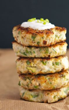 Clean Turkey Zucchini Burgers with Lemon Yogurt Sauce | healthy dinner recipe, delicious with avocado and roasted red pepper