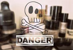 Nebezpečná kosmetika Cosmetics Ingredients, Diy Skin Care, Natural Beauty, Clock, Watch, Homemade Skin Care, Clocks, Raw Beauty