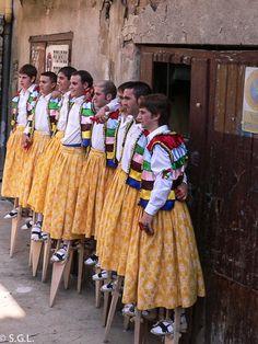 Anguiano y la danza de los zancos