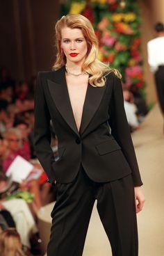Claudia Schiffer, Dolce & Gabbana, 90s Fashion, Fashion Outfits, Fashion Tips, Fashion Trends, Power Dressing Women, Versace, Valentino