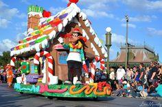 Horace Horsecollar in the Christmas parade