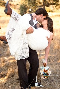 """Rustic Wedding Inspiration I love this picture! - And this site has good ideas for a """"rustic"""" wedding theme. - And this site has good ideas for a """"rustic"""" wedding theme. Wedding Poses, Wedding Shoot, Chic Wedding, Dream Wedding, Wedding Rustic, Trendy Wedding, Wedding Ideas, Wedding Vintage, Fall Wedding"""