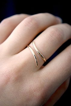 Open Curve Ring in Gold Fill gold fill spiral ring gold filled wrap ring gold spiral ring minimalist gold ring unsoldered by hannahnaomi Cute Jewelry, Jewelry Accessories, Jewelry Design, Fashion Rings, Fashion Jewelry, Gold Ring Designs, Accesorios Casual, Jewelry Patterns, Gold Rings