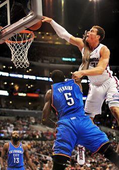 Blake posterizes Perkins