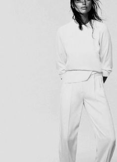 black and white fashion photography: simple and straight: styling in minimalistic white cottons | Fashion + Photography | Design: due. |