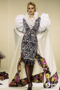 Emanuel Ungaro, Spring-Summer 1993, Couture | Emanuel Ungaro - Europeana