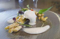 Fertig @SinnReich.Tv  (lauwarmer Spargel-Chili-Salat mit Ravioli von geschmorter Entenkeule und weißem Spargelschaum