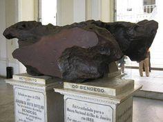 Fragmento do meteorito Bendegó, o segundo maior já registrado no Brasil