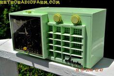 MIST GREEN Mid Century Retro Jetsons 1957 Arvin 5561 Tube AM Clock Radio Totally Restored!