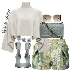 Brunch&Cocktails DETAILS: Top #Houseoffraser Frames #Salvatoreferragamo Purse #Chanel Shorts #Farfetch Shoes #Zimmermann #Styledbyfashionkill21