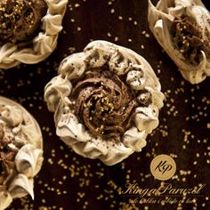 Karmelowe bezy z kremem kawowym - Caramel meringue with coffee cream http://kingaparuzel.pl/blog/2013/09/karmelowe-bezy-z-kremem-kawowym/ #fooddesign #foodstyling #foodtrend #foodsetter #food #foodpic #eat #cooking #recipe #FDLmoment #ilovefood #ilovecooking #ilovetocook #foodlove #foodlovers #foodpassion #foodie #foodaholic #foodvictim #foodaddiction  #foodism #foodobsession #foodventures #sogood #delish #delicious #tasty #yummy  #yumyum