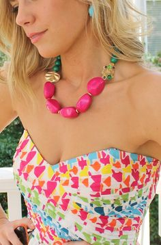 Love the print and the necklace