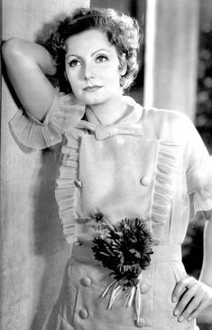 Greta Garbo in an oh-so-1930s dress with lots of crisp organza ruffles.