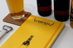 Dedicado aos amantes da bebida mais tradicional aqui no Brasil!  Ele é primeira peça de uma série de cadernos que chamo de Coleção.de.Sabores.  É um modelo exclusivo do Love toKeep, desenvolvido com base em muita pesquisa sobre o assunto.  Nele, proponho oito passos superdetalhados para que o registro fique bem completo:  1 – A cerveja; 2 – A ocasião; 3 – A embalagem; 4 – A aparência; 5 – Como é servida; 6 – O aroma; 7 – O sabor; 8 – Avaliação geral.