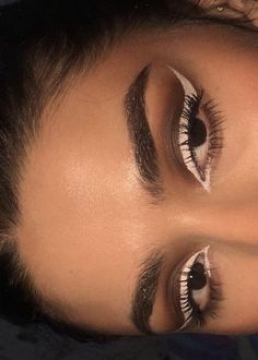 rrelatableteen hacks for teens girl should know acne eyeliner for hair makeup skincare Cute Makeup Looks, Makeup Eye Looks, Eye Makeup Art, Kiss Makeup, Pretty Makeup, Uk Makeup, Makeup Eyebrows, Cheap Makeup, Gorgeous Makeup
