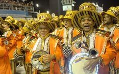 09 FEV 2013, São Paulo, BR - Bateria da Gaviões da Fiel usou instrumentos luminosos no desfile do grupo especial.