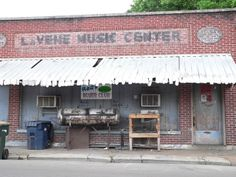 RED'S LOUNGE, Clarksdale, Mississippi....beer in 18 ounce bottles, no frills, and just plain awesome. - Music starts at 9 pm