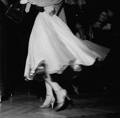 theniftyfifties:  On the dancefloor - photo by Ernst Haas, 1956