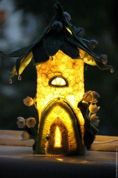 войлочный светильник, сказочный домик, подарок для девочки, подарок для девушки, романтичный подарок,  сказочный подарок, светильник для детской,  ночник для детской
