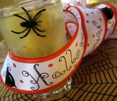 Crawling Spider Soda ~ Freeze rubber spiders in ice cube trays filled with orange juice, When cubes are frozen, fill drink cup with ice cubes, and then 7-up... Opt for Cherry 7-up for a bloody effect. The fizz of the 7-up combined with the citrus of the orange juice creates a fabulous sherbet like flavor.