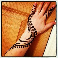 Henna hand design. Pinterest:@reetk516