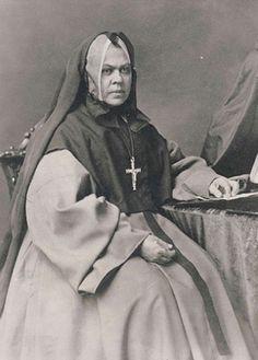 Soeurs Grises ou Soeurs de la Charité de Montréal  (Grey Nuns or Sisters of Charity of Montreal)