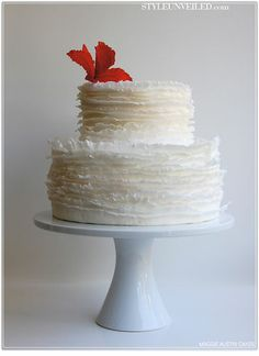 Frills? Upside down frills? Can somebody please tell me how to do this? - by ArtisticIcingCakes @ CakesDecor.com - cake decorating website