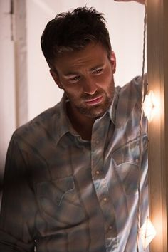 """zwynn: """" ET: Chris Evans Is Bearded and Brooding in Behind-the-Scenes Pics From Gifted """" Robert Evans, Steve Rogers, Christopher Evans, Marvel Dc, Marvel Actors, Capitan America Chris Evans, Chris Evans Captain America, Banks, Zeina"""