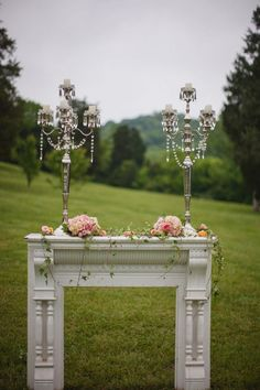 Beautiful vintage wedding in pinks and aquas Never would of thought of this....whole new meaning to Alter:)