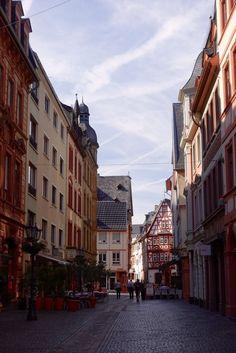 40 heiße Stunden in Mainz - nicht wie es singt und lacht, sondern wie es strahlt und schwitzt.