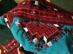 Balochi Dress, Kurta Designs Women, Khalid, Dress Picture, Health And Beauty Tips, Embroidery Dress, Pakistani, Cloths, Nice Dresses