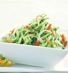 You would never have thought of this combination! But noodles tossed with spinach, cheese sauce and colourful vegetables results in an absolutely delightful treat.