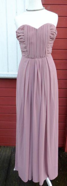 Fließendes Abendkleid aus Chiffon in Altrosa. Auf Miralia.de von Biina // Marry Me! // #miralia #secondhand #secondhandfashion #kleidungonlineverkaufen